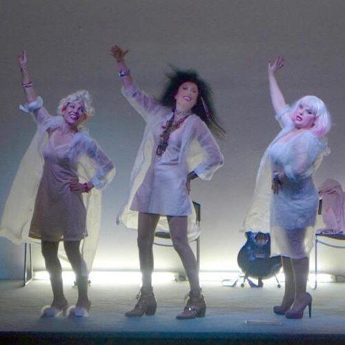 """Το Θέατρο Τέχνης """"Κάρολος Κουν"""" στη  Νάουσα με το έργο των Ντάριο Φο και Φράνκα Ράμε «Όλο σπίτι κρεβάτι κι εκκλησία»"""