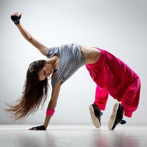 Ζητείται δασκάλα   χορού
