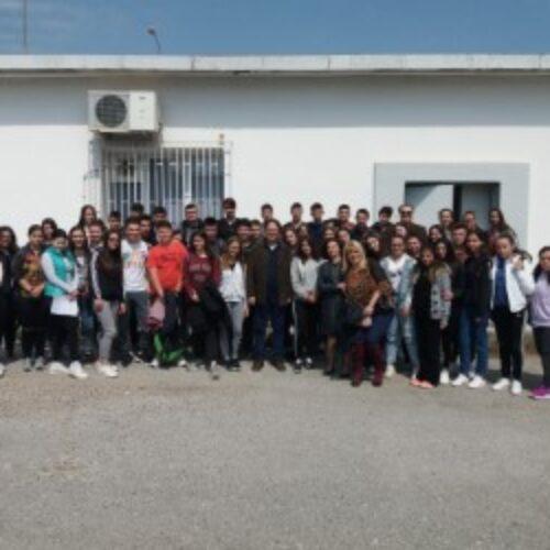 Όταν το Πανεπιστήμιο συναντά το Σχολείο - Συνάντηση μαθητών του 5ου ΓΕΛ Βέροιας   με τον Καθηγητή   Γιώργο Ανδρειωμένο
