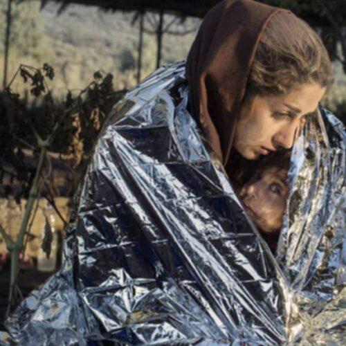 Η πρόσφυγας Mάνα  - Μια εικόνα χίλιες λέξεις