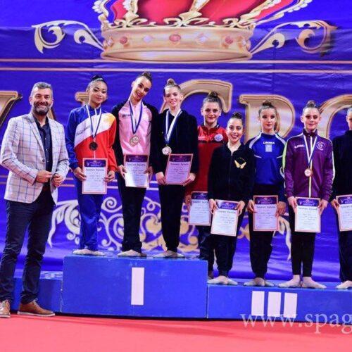 7 χρυσά μετάλλια  στο διεθνές τουρνουά Ρυθμικής Γυμναστικής Royal Crow ο Φίλιππος Βέροιας