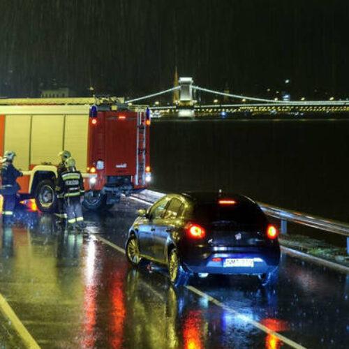 Τραγωδία στο Δούναβη: Νεκροί και αγνοούμενοι  σε ναυάγιο πλοίου με τουρίστες στη Βουδαπέστη