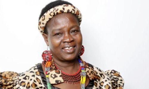 Γυναίκα αρχηγός φυλής ακύρωσε 850 γάμους παιδιών κι έστειλε τα κορίτσια πίσω στο σχολείο