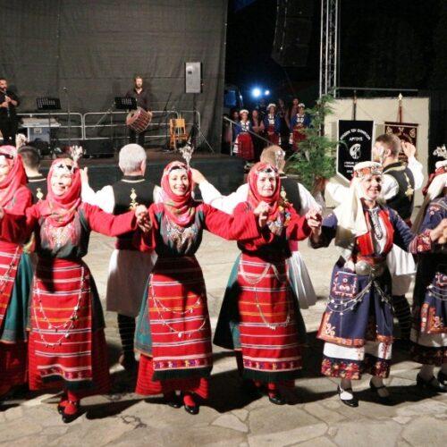 Καταχειροκροτήθηκε το Λύκειο Ελληνίδων Βέροιας στην Ορεστιάδα