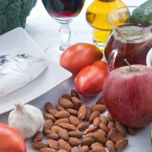 Χοληστερίνη: Ποιες τροφές καθαρίζουν τις αρτηρίες από τη χοληστερόλη