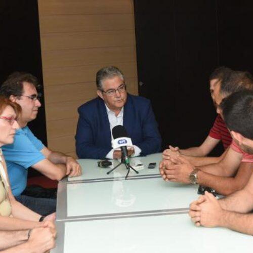 Συνάντηση του Δημήτρη Κουτσούμπα με τους εργαζόμενους του εργοστασίου της ΔΕΛΤΑ στο Πλατύ Ημαθίας