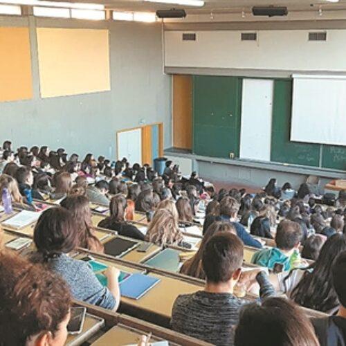 """Ο καθηγητής του Πανεπιστημίου Αθηνών Αντώνης Λιάκος προς τους νέους φοιτητές των ΑΕΙ που δεν έπιασαν τη βάση: """"Καταπλήξτε τους"""""""