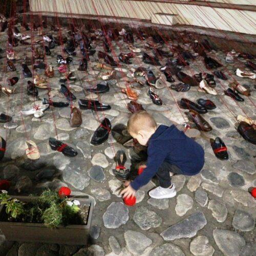 Η παιδική αθωότητα και το νήμα του αίματος
