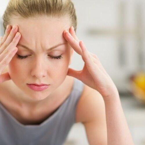 """Ελληνική Εταιρεία Κεφαλαλγίας: Το """"ξεμάτιασμα"""" δεν αντιμετωπίζει τον πονοκέφαλο"""