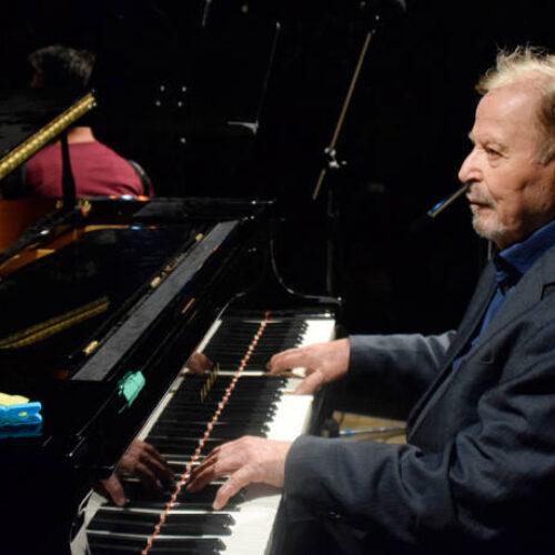 Πέθανε ο γνωστός  μουσικοσυνθέτης Γιάννης Σπανός