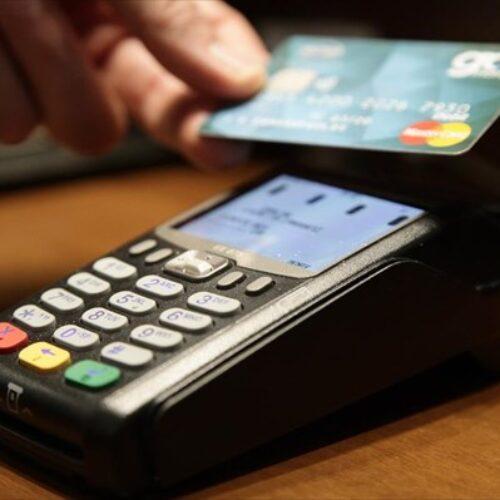 Μειώνεται το όριο στις συναλλαγές με μετρητά - Έρχονται POS και στα περίπτερα