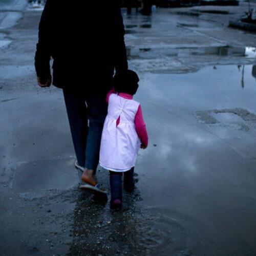 """""""Η ελληνική «αποθήκη» για πρόσφυγες και μετανάστες"""" γράφει ο Δημήτρης Μηλάκας"""