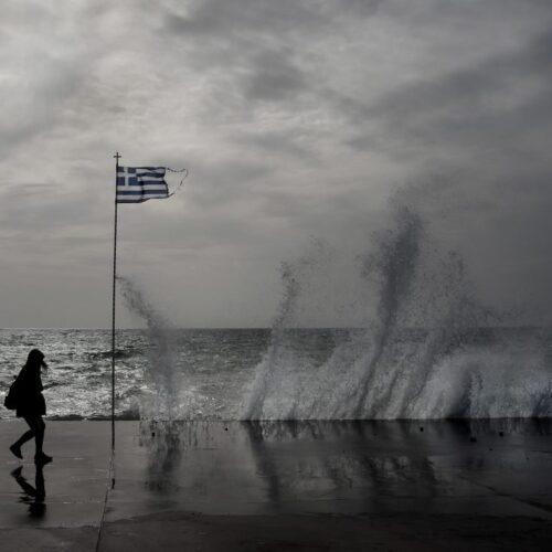 """Αντίστροφη μέτρηση για τον """"Γηρυόνη"""" - Αναμένονται ισχυροί νότιοι άνεμοι, βροχές και καταιγίδες"""