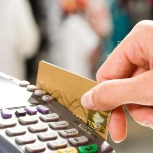 """Ηλεκτρονικές συναλλαγές: Το 30% """"δια νόμου"""" το νέο όριο για τους φορολογούμενους"""