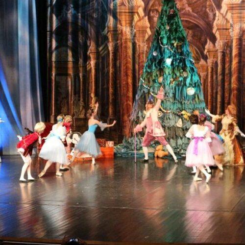 """""""Ο Καρυοθραύστης"""" από τη Βασιλική Ακαδημία Μπαλέτου της Ρωσίας στη Βέροια – Μια παράσταση που καταχειροκροτήθηκε"""