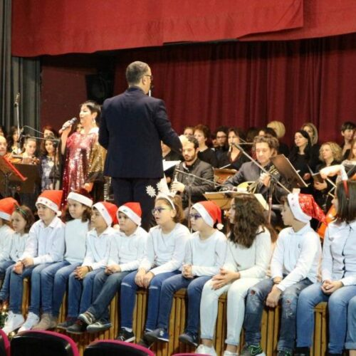 """Ενθουσίασε η Σόνια Θεοδωρίδου στη Βέροια με τις """"Φωνές Χριστουγέννων"""""""