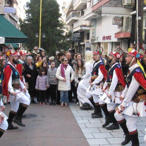 Το έθιμο των Μομόερων αναβίωσε στη Βέροια από την Εύξεινο Λέσχη για 6η χρονιά