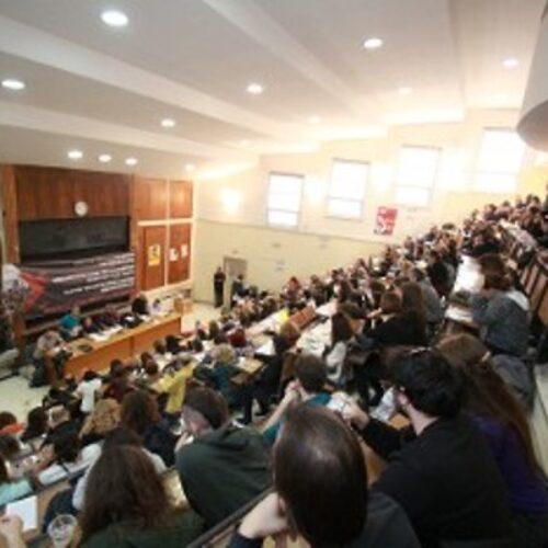 """""""Για την οργάνωση της πάλης απέναντι στην κυβερνητική πολιτική στο χώρο της Εκπαίδευσης"""" γράφει ο Σπύρος Μαρίνης"""