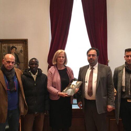 Συνάντηση Δημάρχου Βέροιας με την Πρόξενο της Κένυας στην Ελλάδα