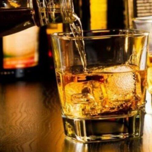 Ουρικό οξύ: Προσοχή σε ποτά και αναψυκτικά που το ανεβάζουν στα... ύψη