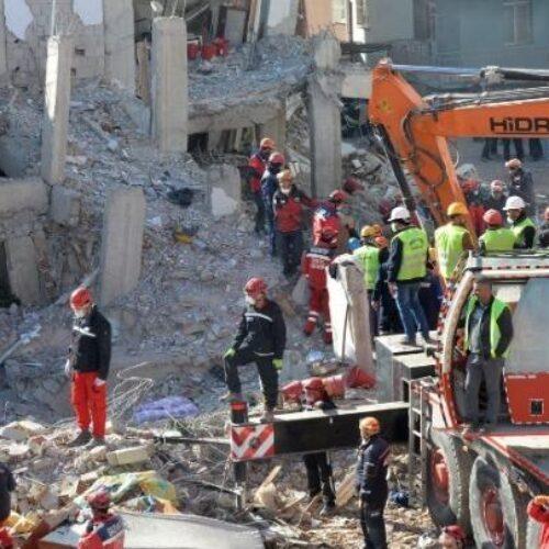 """Τουρκία: Έφτασαν τους 38 οι νεκροί από το σεισμό - """"Η επιχείρηση οδεύει προς το τέλος"""""""