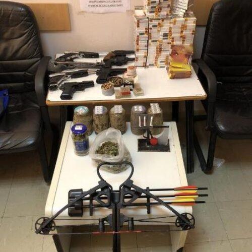 Πέλλα: Συνελήφθη 53χρονος με ποσότητες κάνναβης και όπλα κρότου / αερίου  -Στην έρευνα συμμετείχε και αστυνομικός σκύλος