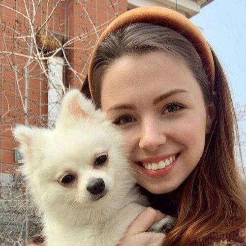 Κορονοϊός: Προεδρική παρέμβαση για να επαναπατριστεί με τον σκύλο της από την Ουχάν