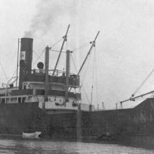 """""""Η μεγαλύτερη ναυτική τραγωδία της Μεσογείου στο Σαρωνικό -  Πνίγηκαν 4000 άνθρωποι"""" γράφει ο Ανδρέας Δανεζάκης"""