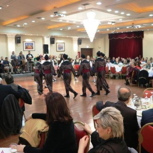 Το Λύκειο Ελληνίδων Βέροιας γιόρτασε στον ετήσιο χορό του τα 40 χρόνια προσφοράς στην παράδοση με μια ιδιαίτερη βραδιά