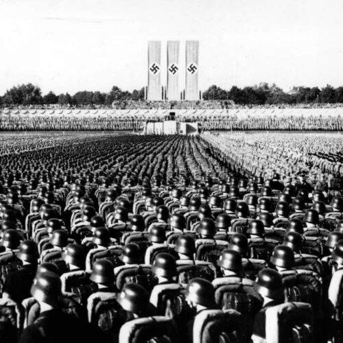 """""""Τα αίτια της γέννησης του ναζισμού - Πώς εκατομμύρια άνθρωποι ακολούθησαν μία διαδικασία αποκτήνωσης;"""" του Βασίλη Λιόση"""
