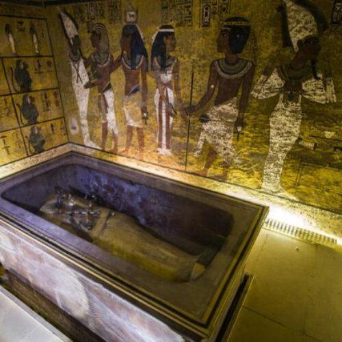Αίγυπτος: Ενθουσιασμός στους αρχαιολόγους - Ανακάλυψαν μυστικό δωμάτιο στον τάφο του Τουταγχαμών