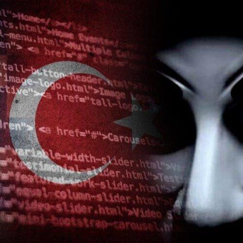 """Σύγκρουση στο Διαδίκτυο μεταξύ Anonymous Greece και Anka Neferler Tim: """"Θα αμυνθούμε σε κάθε απειλή"""" γράφει η Υπατία Κοκκινάκη"""
