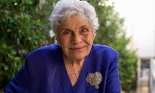 """Κική Δημουλά: """"Η ποίηση είναι αερικό"""" - Συνέντευξη στη Φαρέτρα, Μάιος 2016"""
