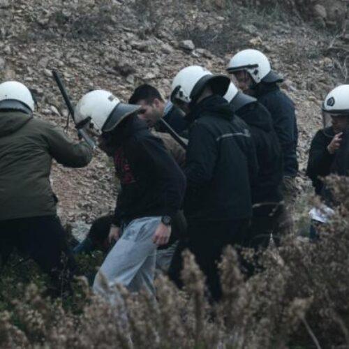 """Καταγγελία για αγριότητες στη Χίο: """"Απρόκλητα τα ΜΑΤ με έβαλαν κάτω και με χτύπαγαν"""" (video)"""