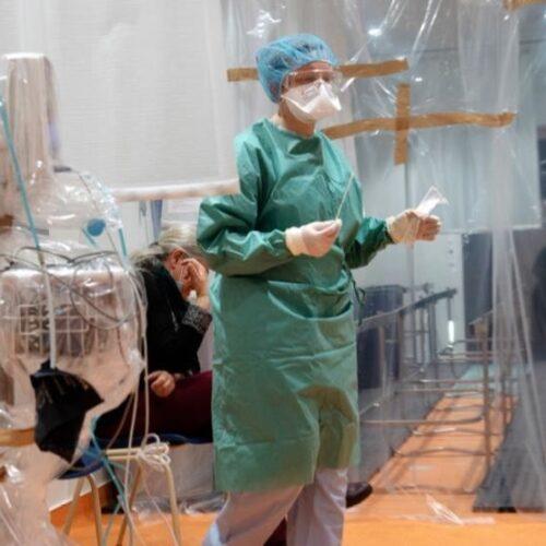 """""""Οι 63 μαχαιριές της Ε.Ε. στα ευρωπαϊκά συστήματα υγείας"""" γράφει ο Άρης Χατζηστεφάνου"""