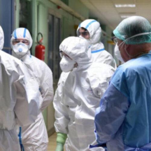 Κορωνοϊός στην Ελλάδα: Στα 190 τα κρούσματα - Κλείνουν εμπορικά κέντρα, καφετέριες, μπαρ