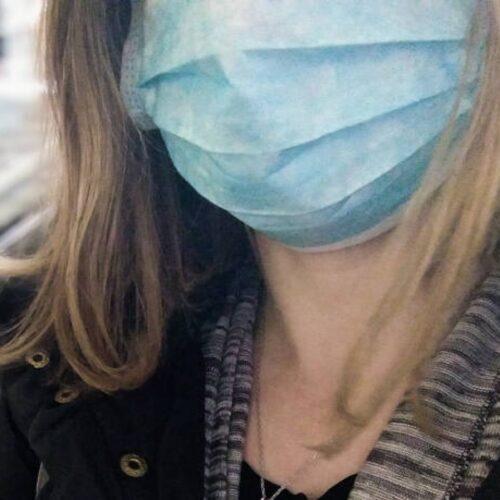 Κορονοϊός:  Έραψε 600 μάσκες και τις πρόσφερε δωρεάν στο νοσοκομείο Γρεβενών