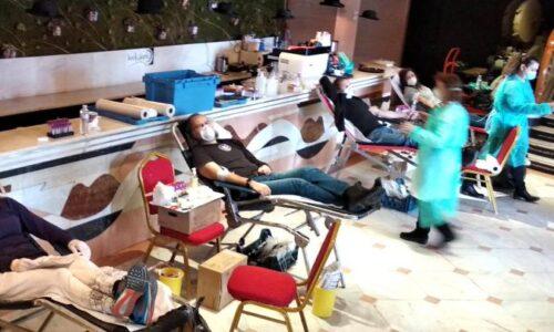 Μάσκες και αιμοδοσία: Οι μοδίστρες του Εθνικού Θεάτρου κατά του κορωνοϊού
