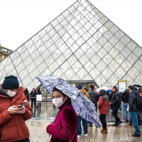 """Ελληνίδα γιατρός στο Παρίσι προειδοποιεί: """"Μένουμε σπίτι για να μην φτάσουμε στη διαλογή"""""""