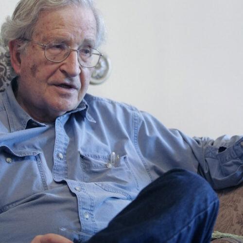 Κορωνοϊός - Τσόμσκι: Ειρωνικό ότι η Κούβα βοηθάει την Ευρώπη ενώ η Γερμανία δεν μπορεί να βοηθήσει την Ελλάδα (video)