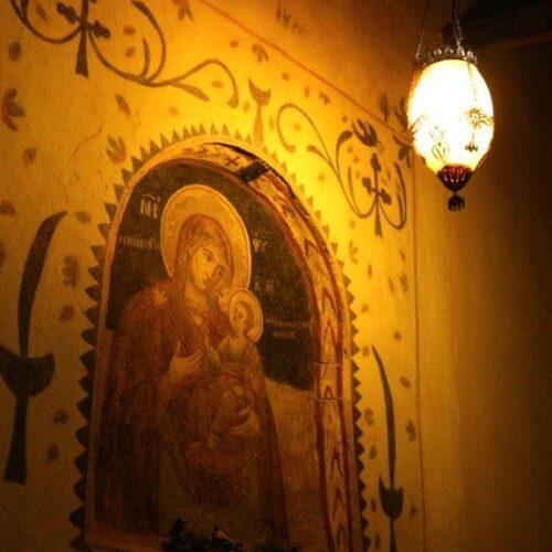 Μεγάλη Παρασκευή. Νυχτερινή περιδιάβαση στις κλειστές εκκλησίες της Βέροιας