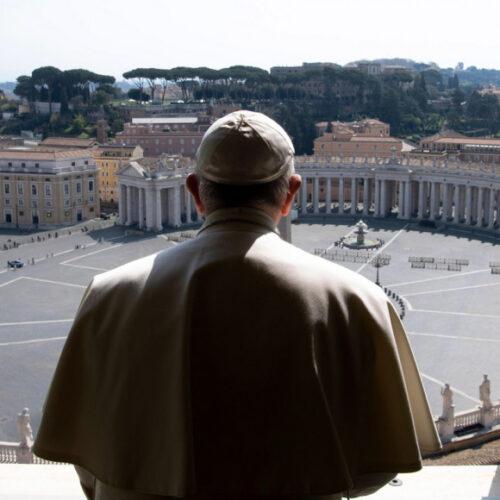 Πάσχα σήμερα σε άδειες εκκλησίες και έρημες πλατείες για εκατομμύρια Καθολικούς σε όλον τον πλανήτη