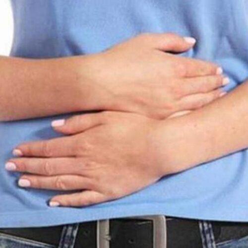 Πόνος στο στομάχι: Οι 11 πιθανές αιτίες