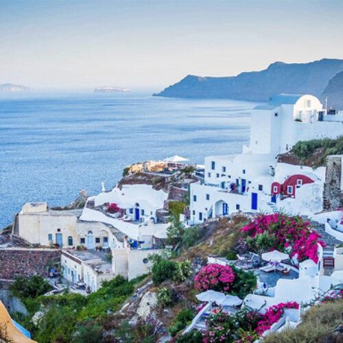 """Η Bild προτείνει την Ελλάδα για διακοπές το καλοκαίρι: """"Είναι σχεδόν ακίνδυνη από τον κορωνοϊό"""""""