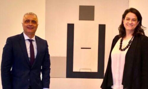 Συνάντηση του Λάζαρου Τσαβδαρίδη με την Υπουργό Παιδείας