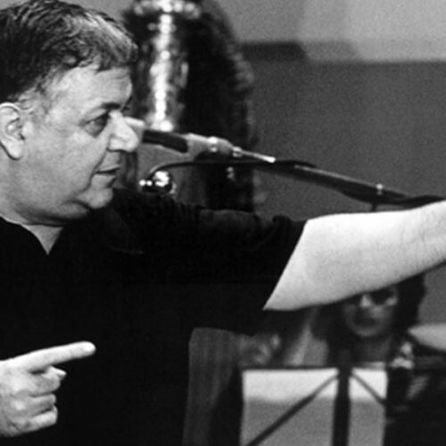 """""""Μάνος Χατζιδάκις: Υπουργέ είσαι βλαξ"""" γράφει ο Φώτης Δεληβοριάς"""