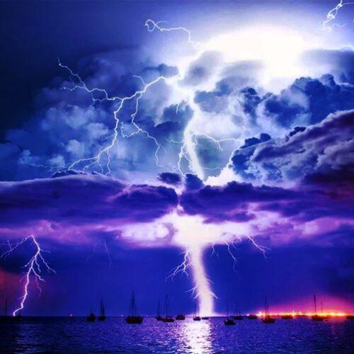 """""""Αλέρτ"""" από meteo: Ανατροπή στο σκηνικό του καιρού - Έρχεται """"χορός"""" κεραυνών σε Θεσσαλία – Βόρεια Ελλάδα"""
