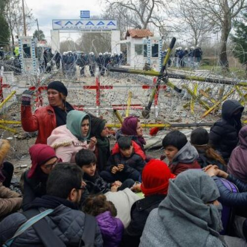 The Guardian: Πρόσφυγες έγιναν πιόνια στο παιχνίδι του Ερντογάν