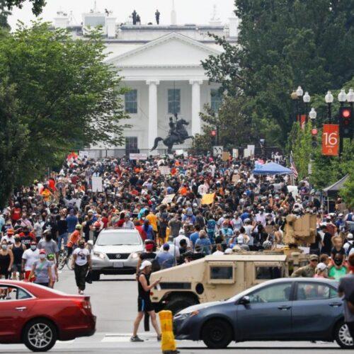 """I can't breathe"": Τεράστια διαδήλωση στην Ουάσινγκτον – Χιλιάδες στους δρόμους, ""αστακός"" ο Λευκός Οίκος"