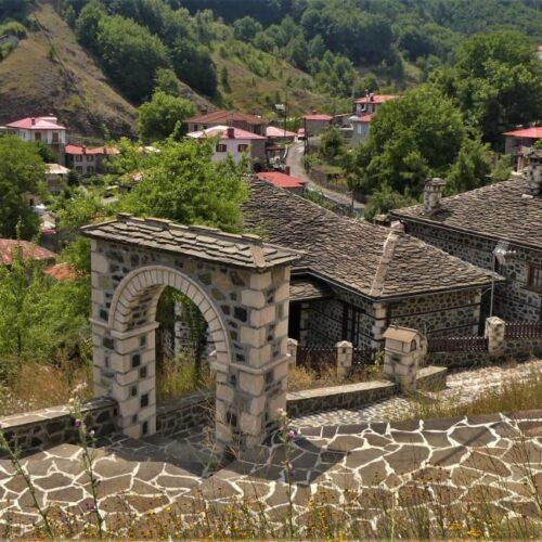 """Λία Μάγειρα """"Οδοιπορικό στη Βόρεια Πίνδο - Mηλιά Μετσόβου, στους Ξυλογλύπτες της Οξιάς""""(8)"""